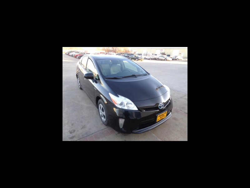 Toyota Prius 2013 price $6,995