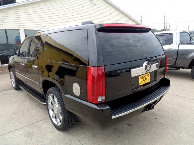 Cadillac Escalade 2007 price $11,495