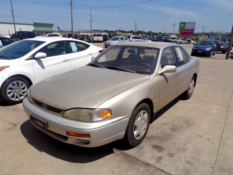 Toyota Camry 1995 price $1,495