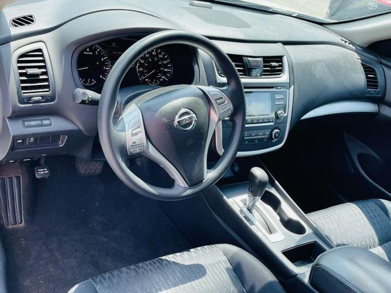 Nissan Altima 2016 price $10,980