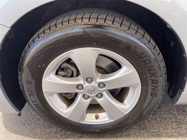 Toyota Sienna 2013 price $17,981