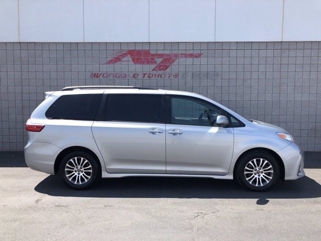 Toyota Sienna 2019 price $27,985
