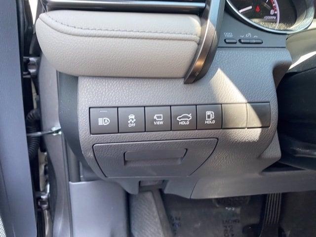 Toyota Camry 2019 price $26,985