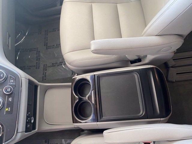 Toyota Sienna 2015 price $18,486