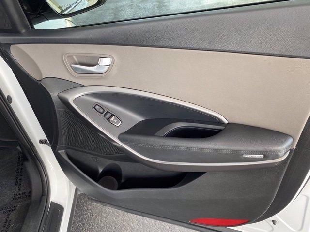 Hyundai Santa Fe Sport 2018 price $17,483