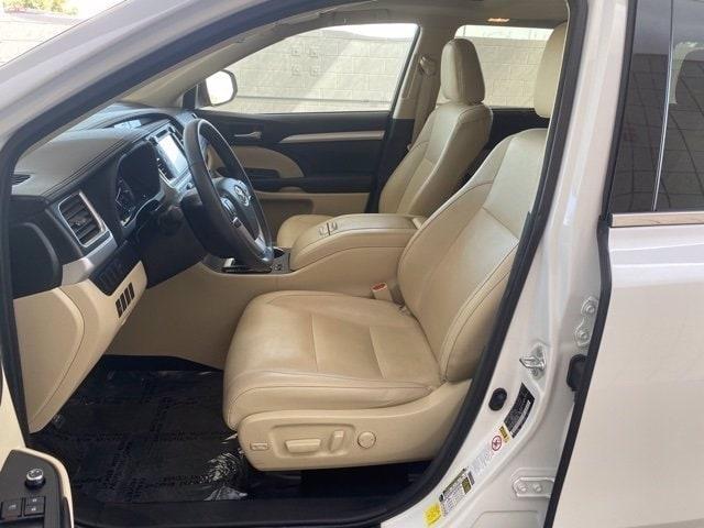 Toyota Highlander 2016 price $28,484