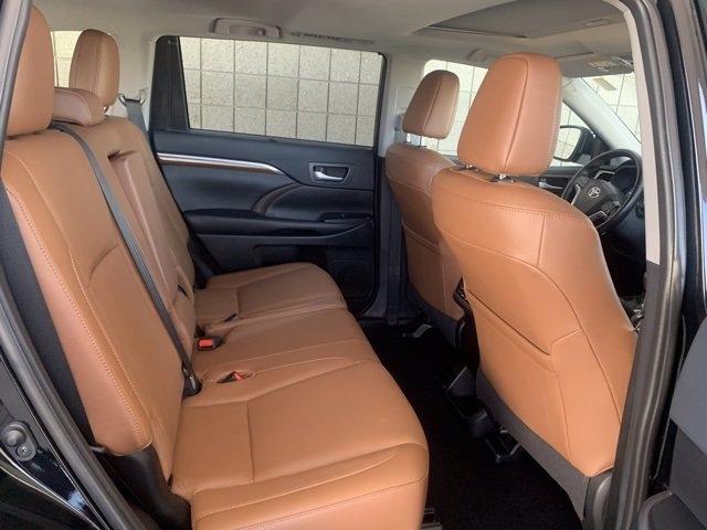 Toyota Highlander 2019 price $38,982