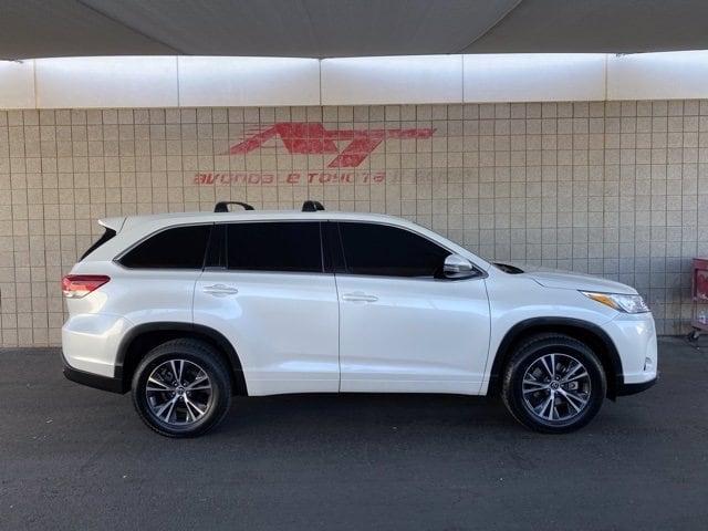 Toyota Highlander 2018 price $27,982