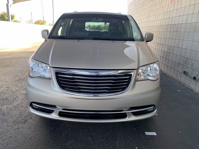 Chrysler Town & Country 2012 price $9,981