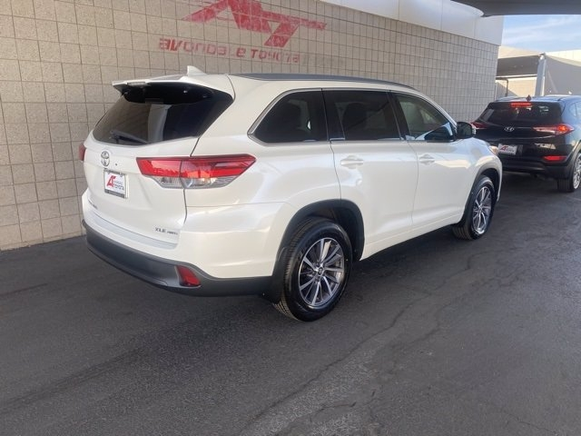 Toyota Highlander 2018 price $31,983
