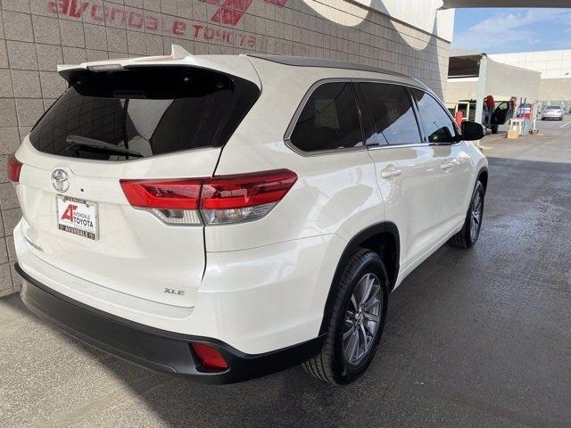 Toyota Highlander 2018 price $32,183
