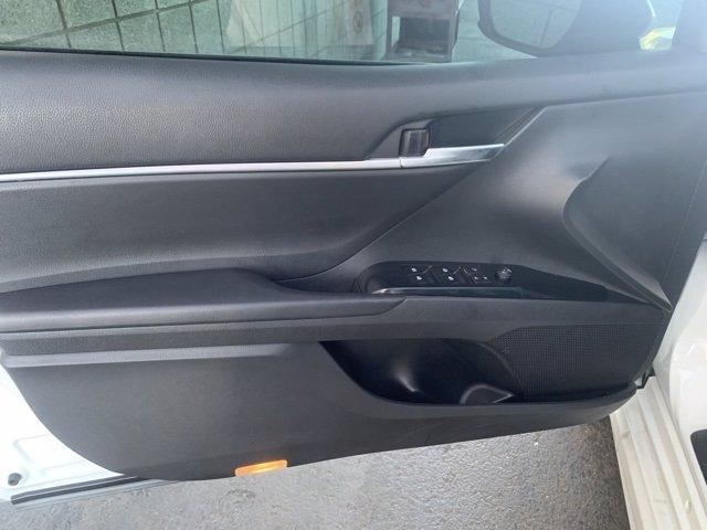 Toyota Camry 2018 price $20,681