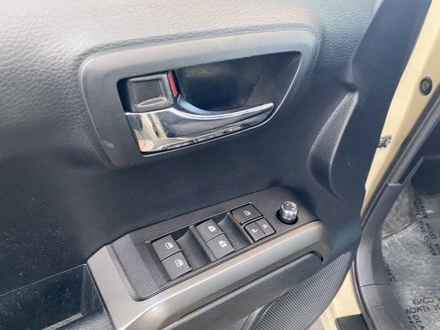 Toyota Tacoma 2018 price $33,481