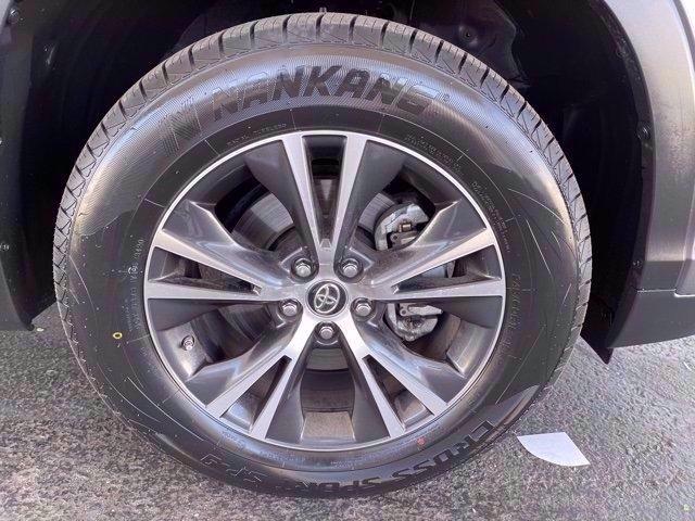 Toyota Highlander 2019 price $29,482