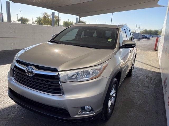 Toyota Highlander 2015 price $22,981