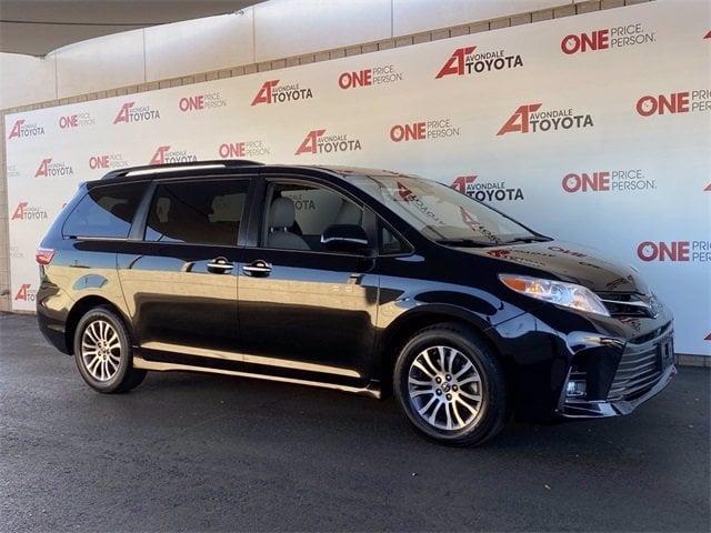 Toyota Sienna 2019 price $28,982