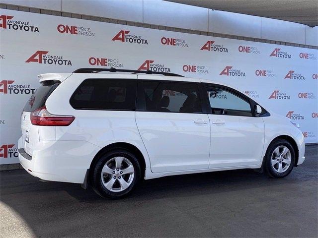 Toyota Sienna 2017 price $20,981
