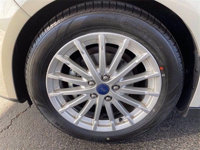 Ford C-Max Hybrid 2015 price $12,681
