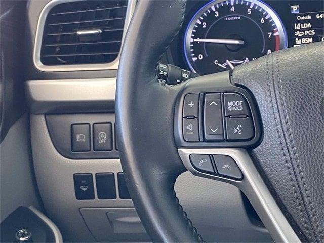 Toyota Highlander 2017 price $27,981