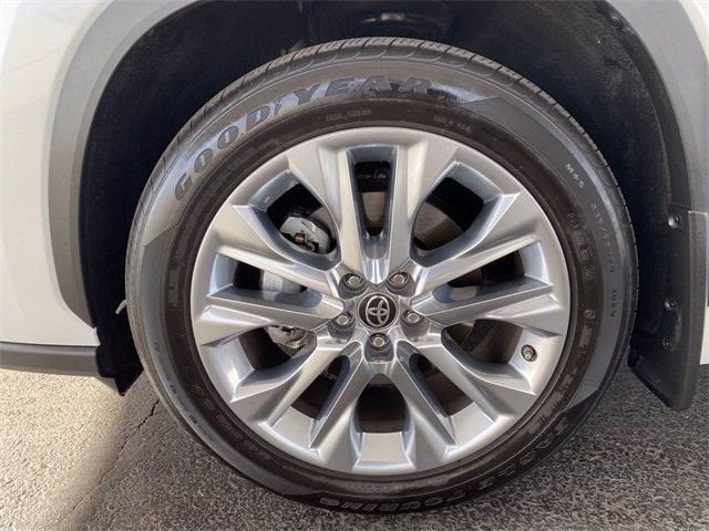 Toyota Highlander 2020 price $42,981