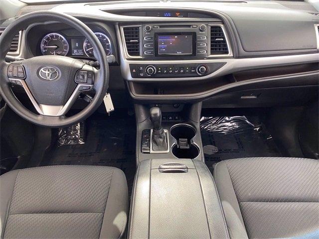 Toyota Highlander 2016 price $21,981