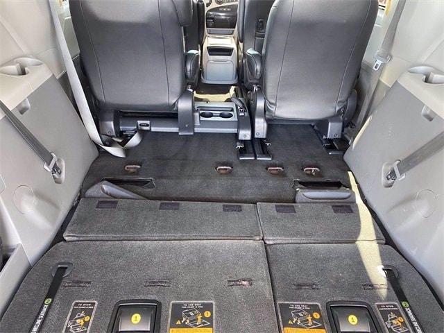 Toyota Sienna 2014 price $15,281