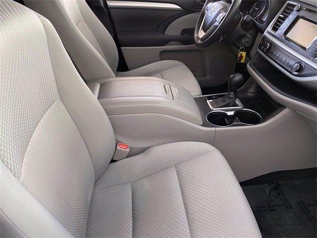 Toyota Highlander 2016 price $21,283