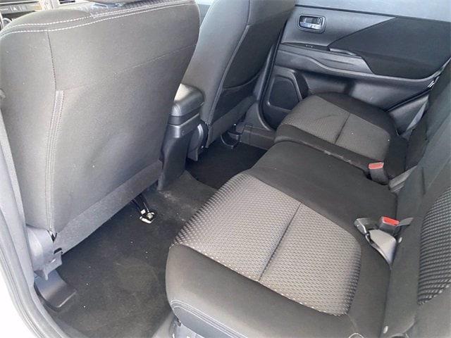 Mitsubishi Outlander 2018 price $14,281