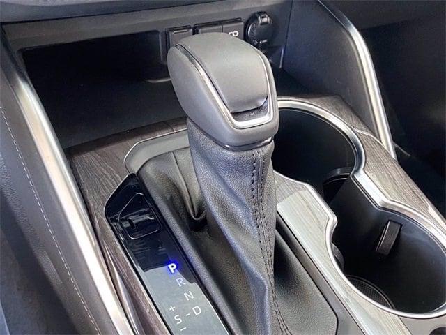 Toyota Highlander Hybrid 2021 price $43,981