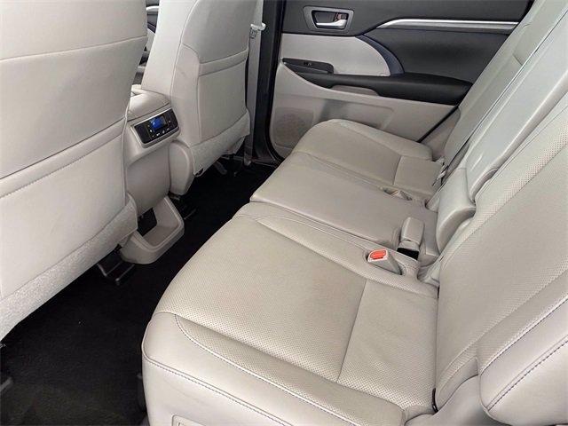 Toyota Highlander 2019 price $38,583