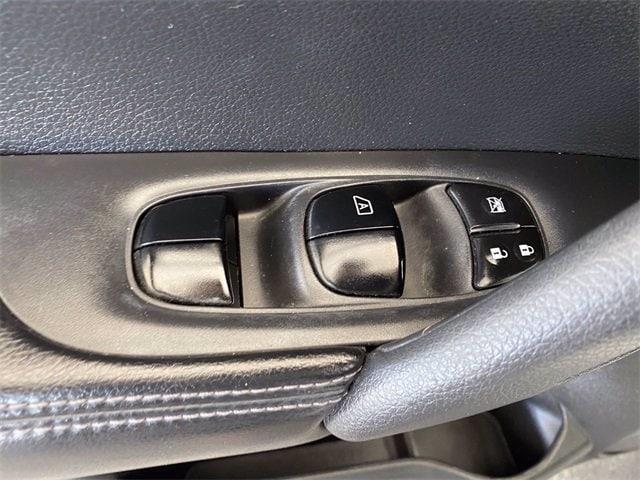 Nissan Rogue 2014 price $10,981