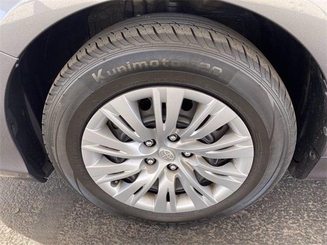 Toyota Camry 2014 price $15,781