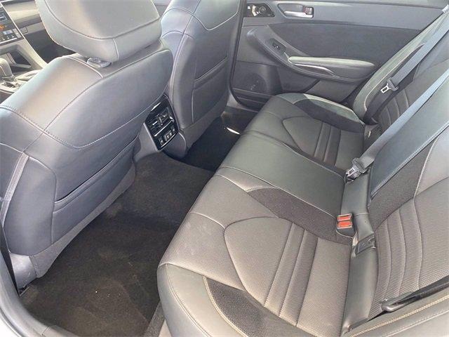 Toyota Avalon 2019 price $35,981