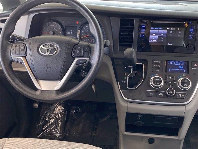 Toyota Sienna 2016 price $18,481