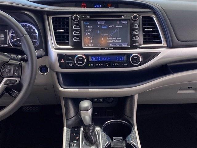 Toyota Highlander 2019 price $38,981