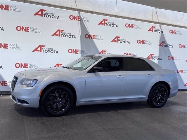 Chrysler 300 2019 price $28,781