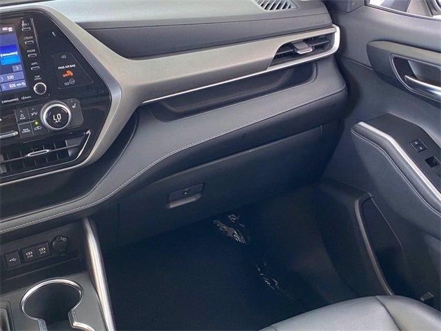 Toyota Highlander Hybrid 2020 price $39,981