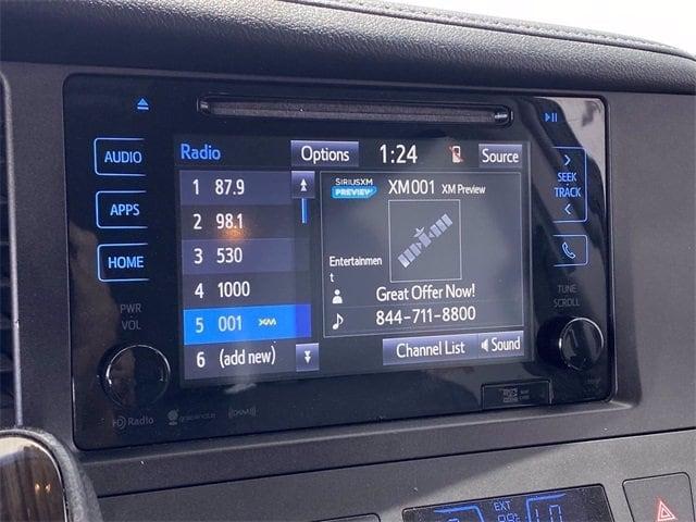Toyota Sienna 2017 price $25,981