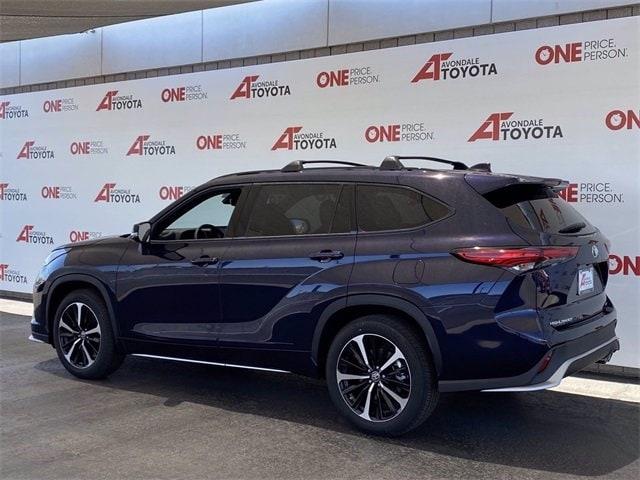 Toyota Highlander 2021 price $45,206