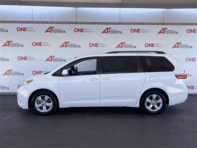 Toyota Sienna 2017 price $21,483