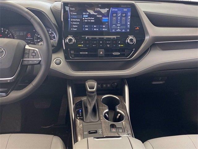 Toyota Highlander 2021 price $46,311