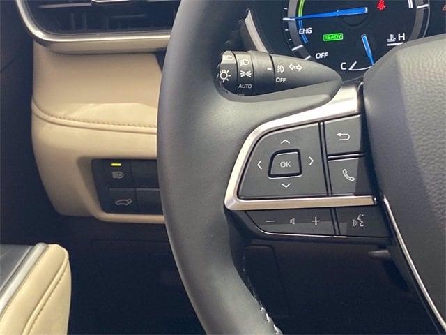 Toyota Highlander Hybrid 2021 price $42,983