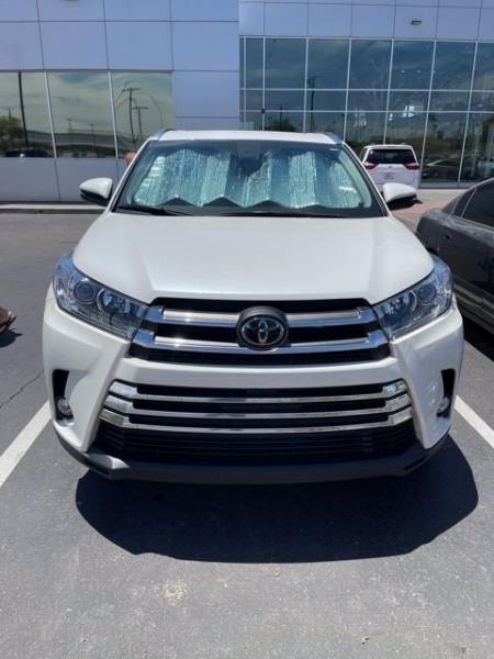 Toyota Highlander 2017 price $35,981