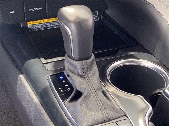 Toyota Camry 2020 price $32,983