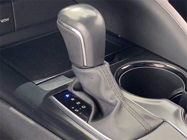 Toyota Camry 2020 price $27,983