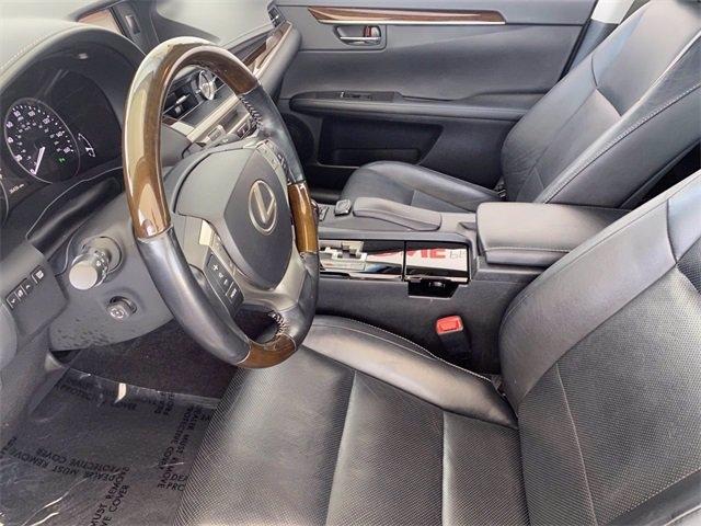 Lexus ES 350 2015 price $28,981