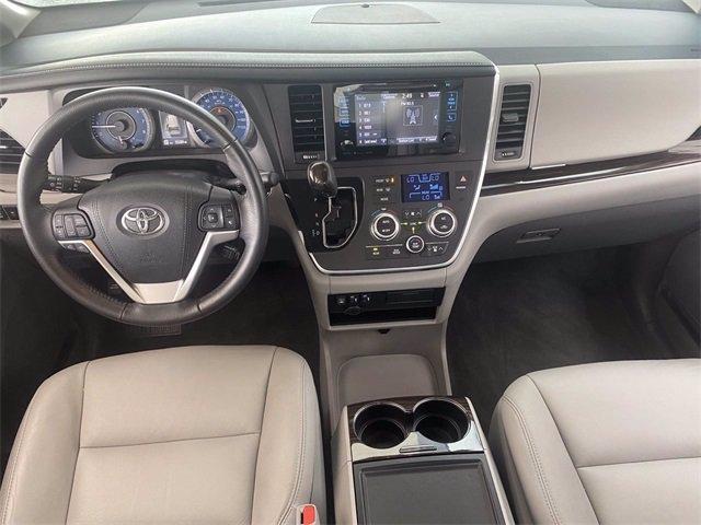 Toyota Sienna 2017 price $32,981