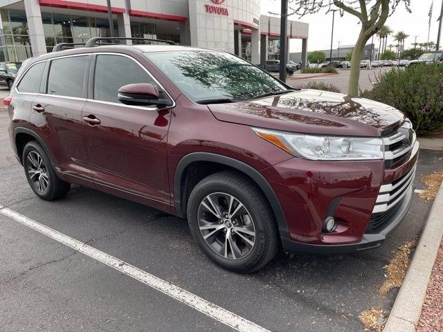 Toyota Highlander 2018 price $33,981