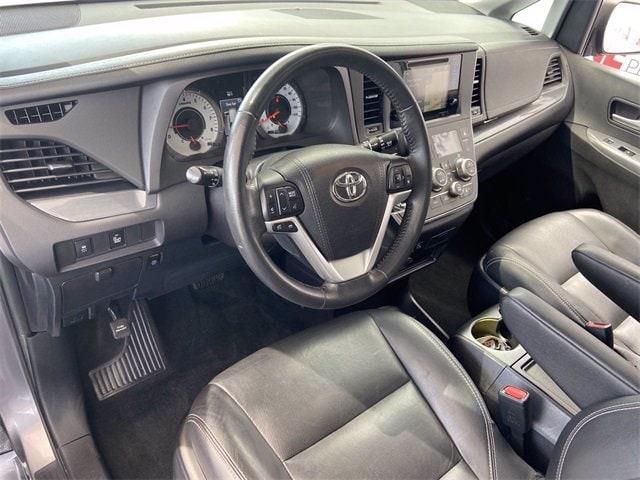 Toyota Sienna 2017 price $30,481