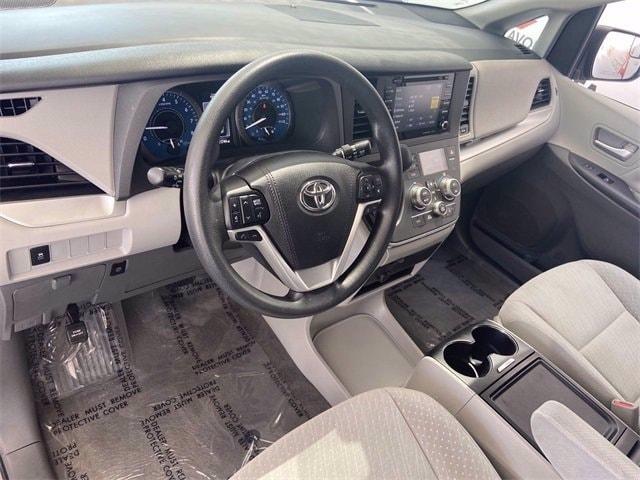 Toyota Sienna 2018 price $36,981